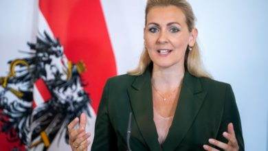 Photo of Austrian labour minister resigns over plagiarism allegations