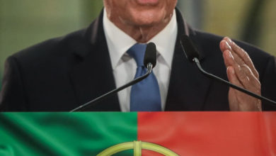 Photo of Electoral commission: Portugal's President Rebelo de Sousa re-elected