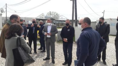 Photo of CMC head Angelov, French attaché visit Gevgelija migrant transit center