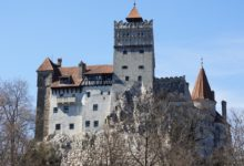 Photo of 'Dracula's castle' offers vaccine shot, free trip to torture chamber
