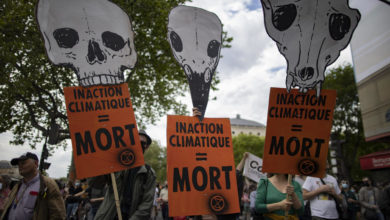 Photo of Tens of thousands protest in France against climate law