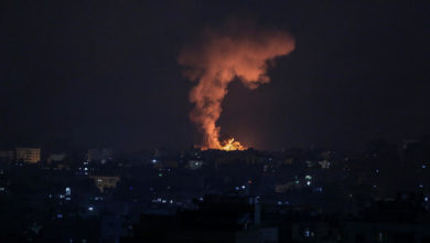 Photo of Israel intensifies attacks on Gaza, army says troops on the ground